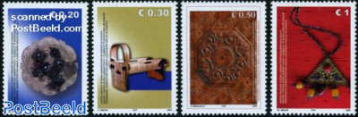 Art objects 4v