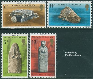 Prehistoric memorials 4v